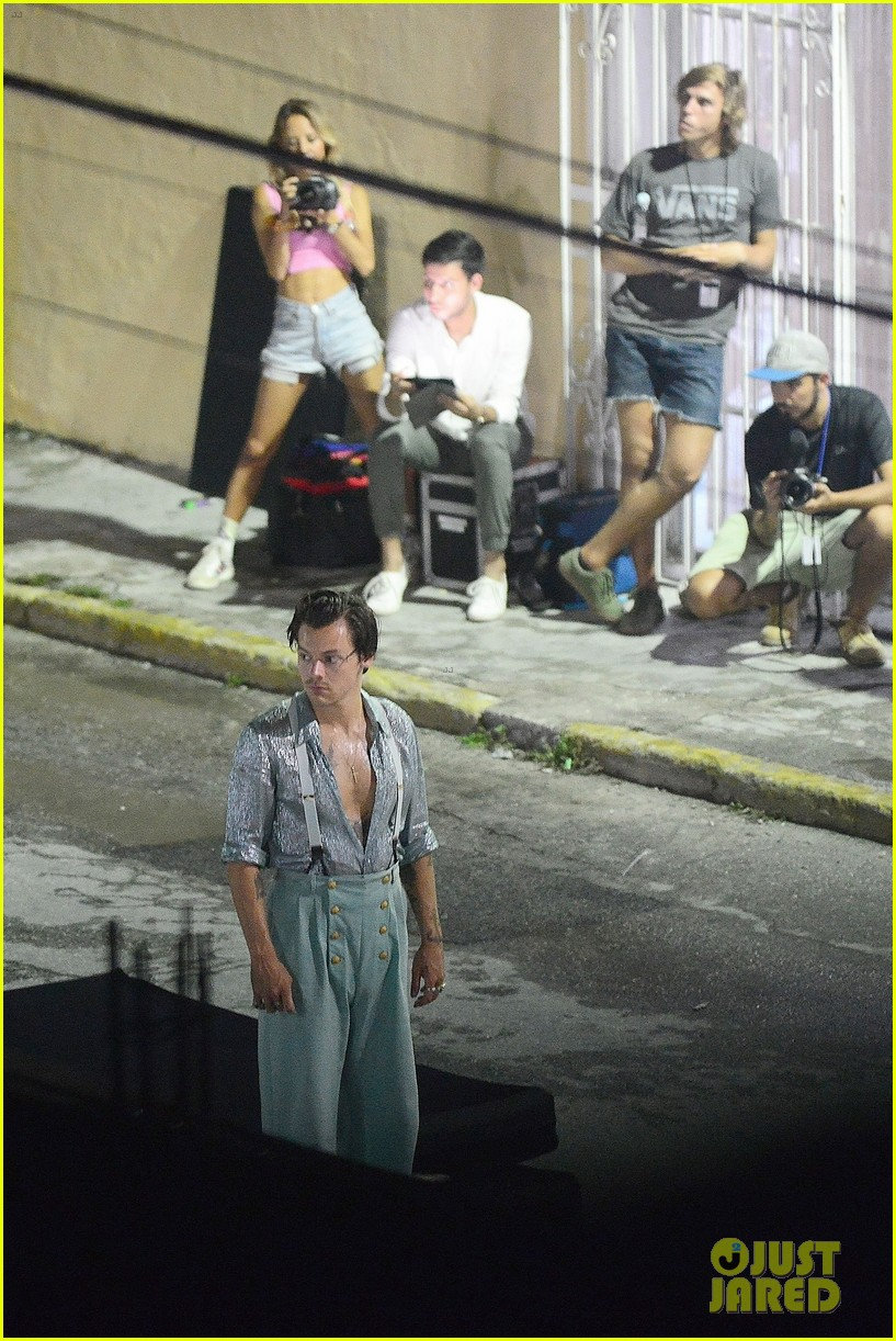 harry styles filming new music video 034331068