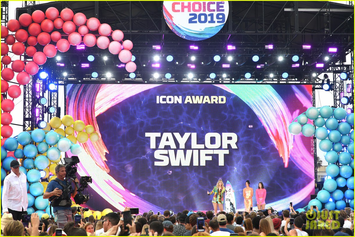 taylor swift speech teen choice 2019 024334370