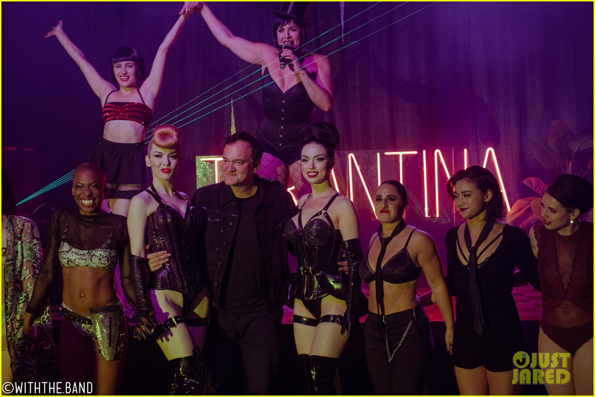 quentin tarantino supports tarantina hollywood 1969 burlesque show 014337666