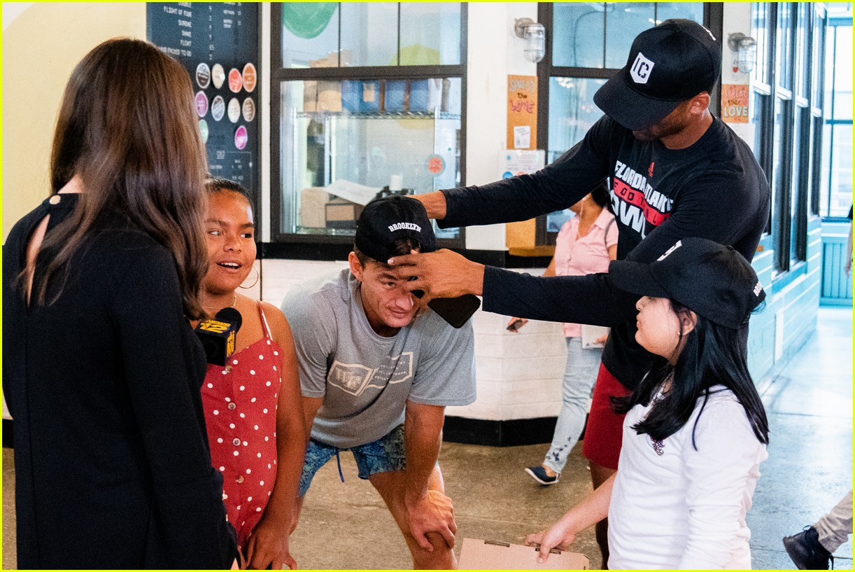 Bachelorette' Star Tyler Cameron Tosses Pizza Dough for Kids