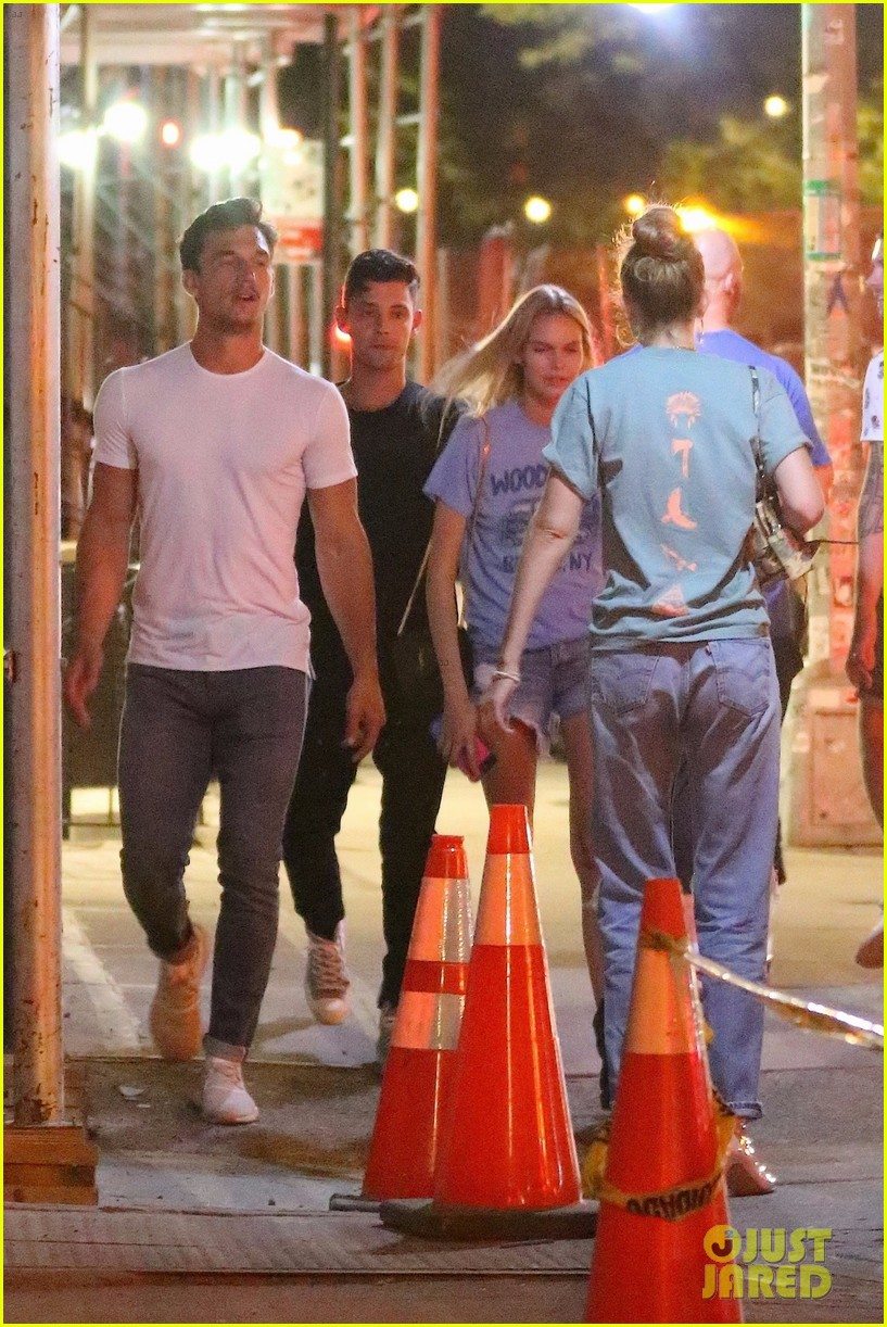 gigi hadid enjoys a night out with tyler cameron in nyc 19