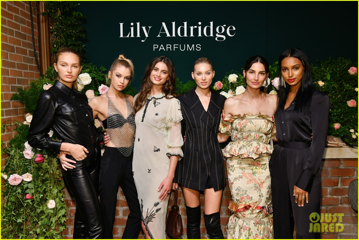 lily aldridge supported model friends perfume nyfw event 034348802
