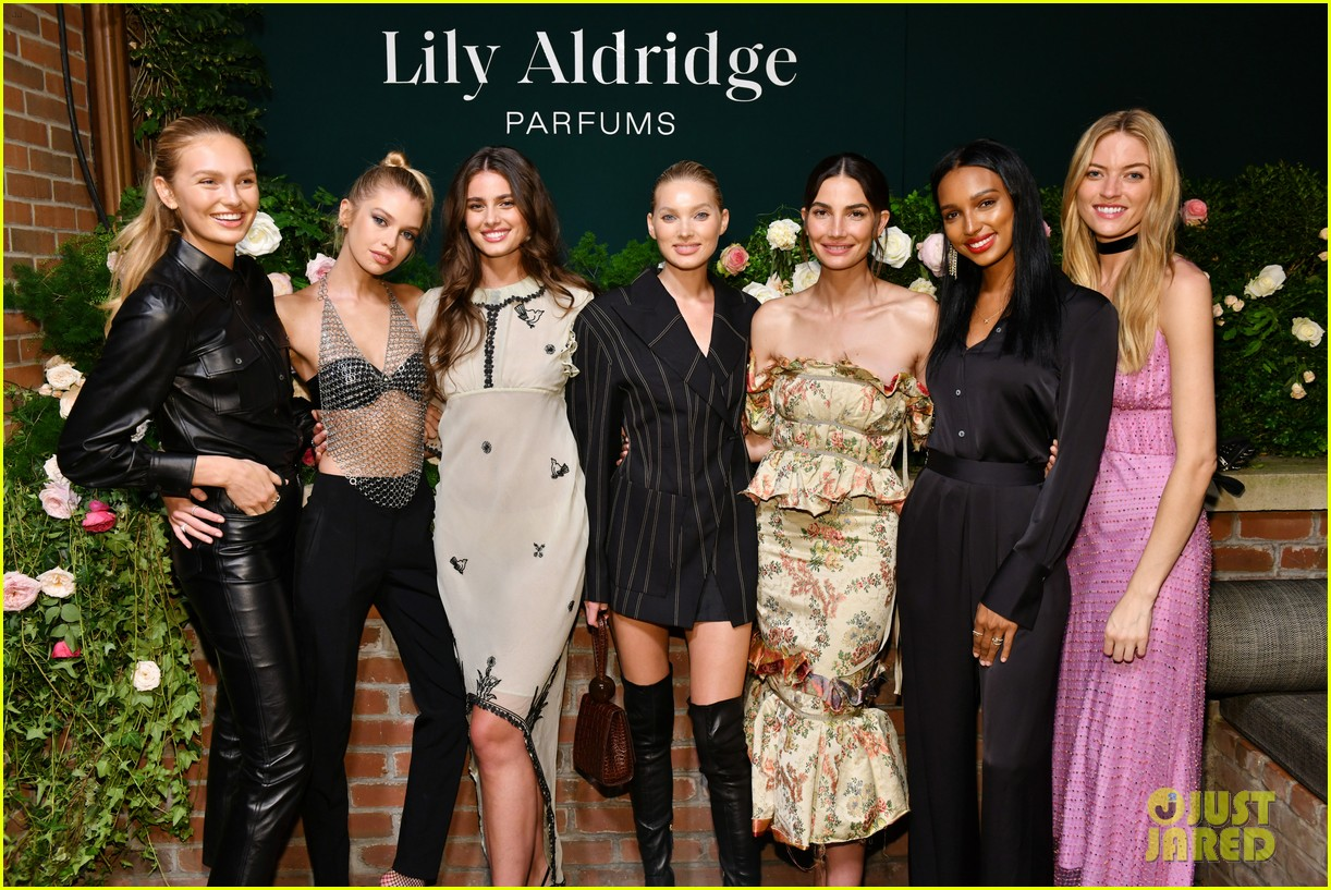lily aldridge supported model friends perfume nyfw event 044348803
