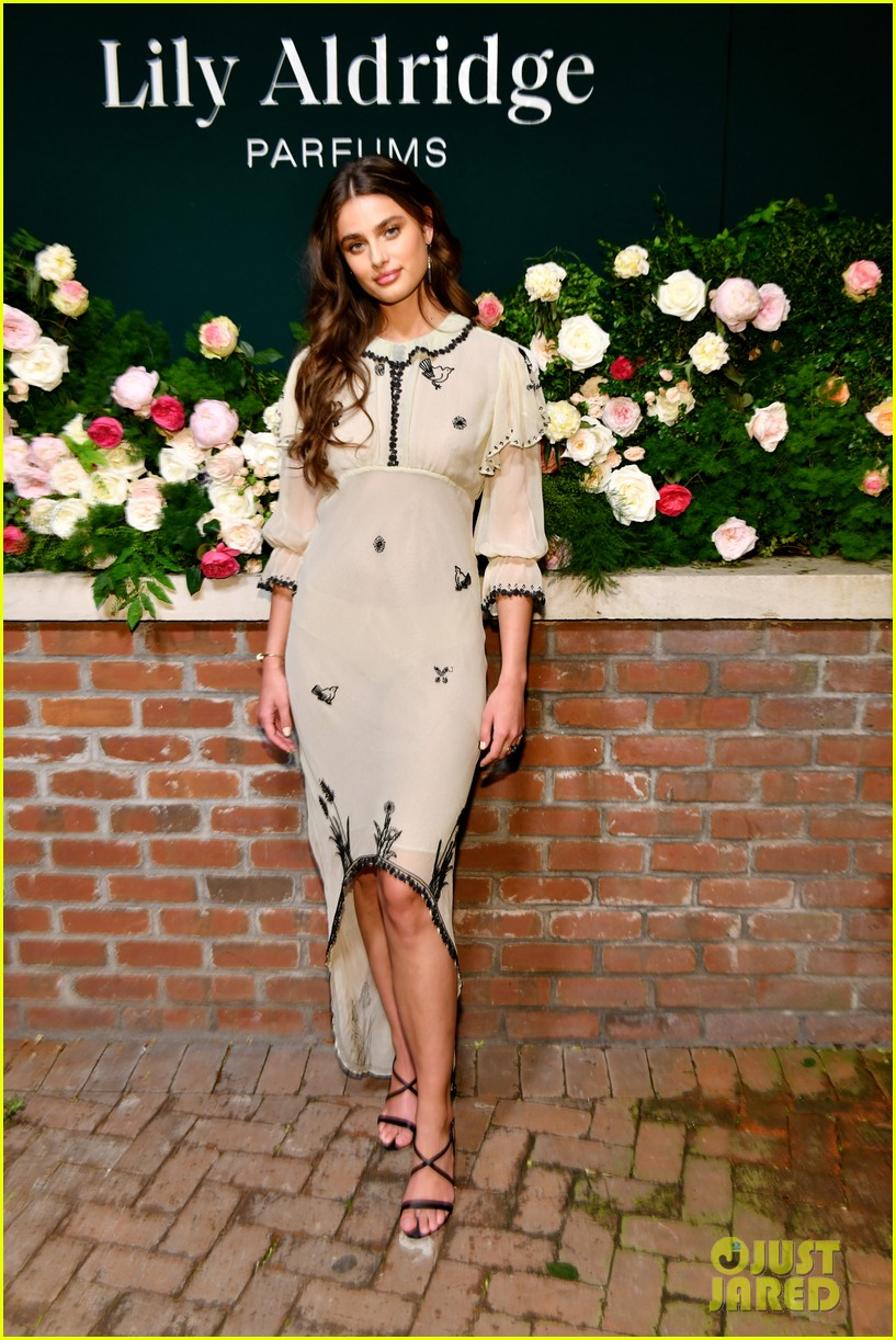 lily aldridge supported model friends perfume nyfw event 254348824