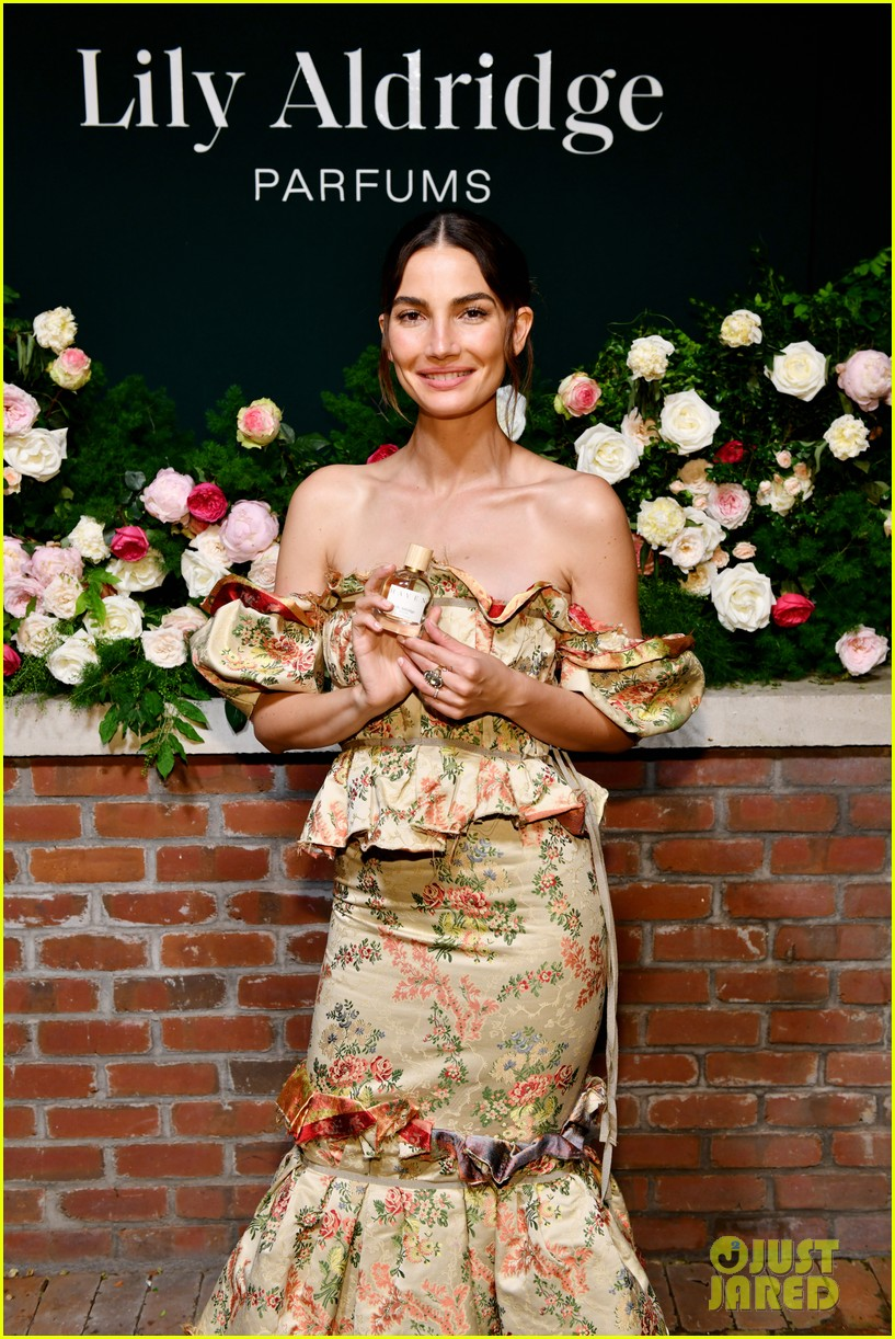 lily aldridge supported model friends perfume nyfw event 304348829