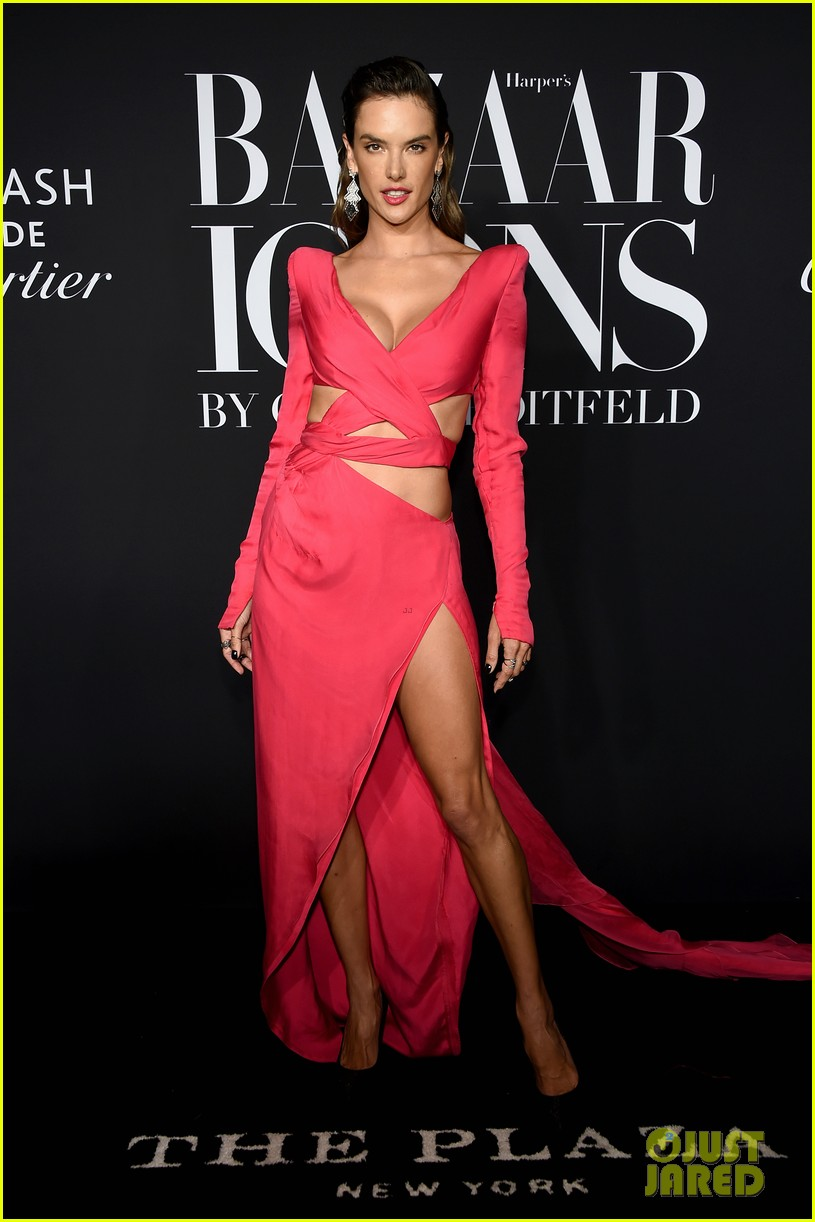 ashley graham harpers bazaar icons party 2019 024346588