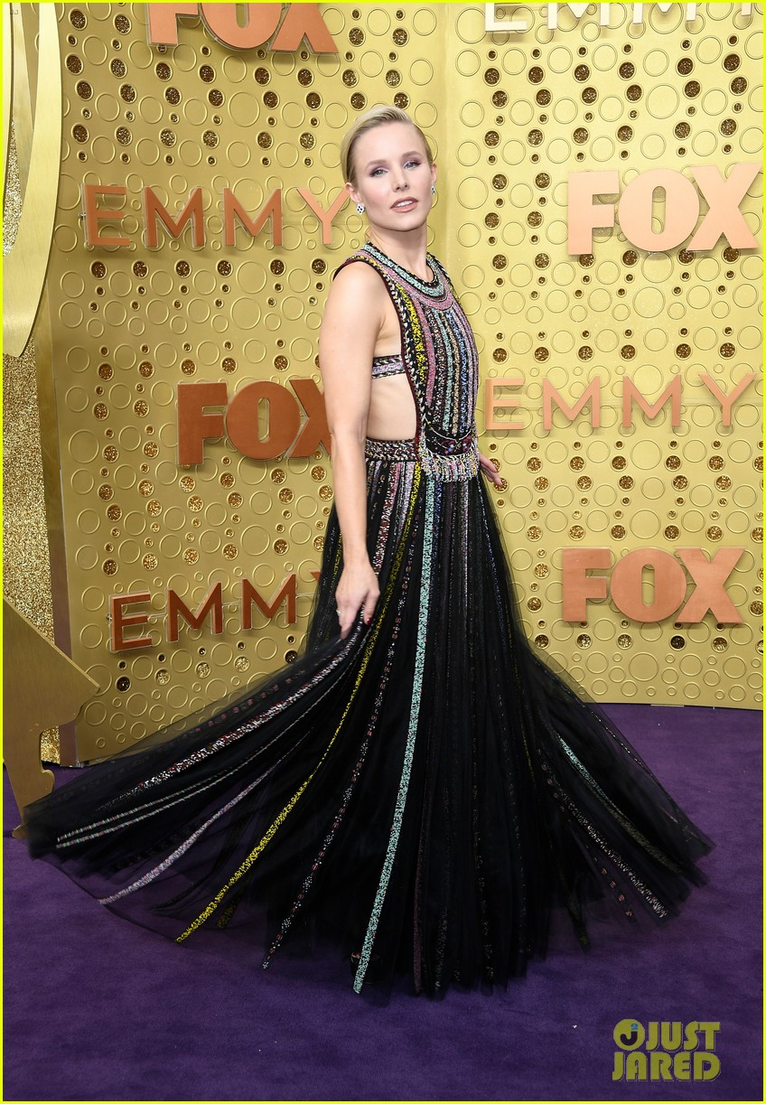 kristen bell keeps it colorful at emmys 2019 184358105