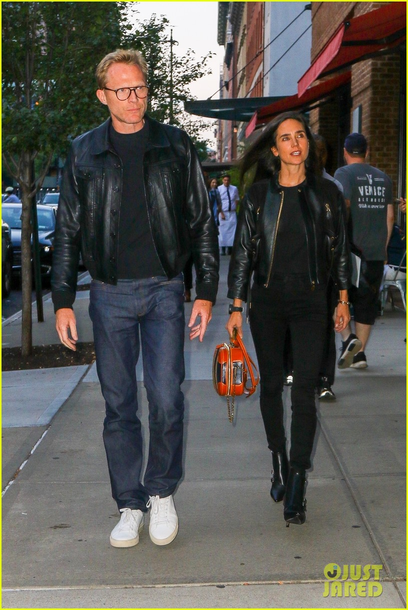 paul bettany jennifer connelly coordinate leather jackets for dinner 014350843