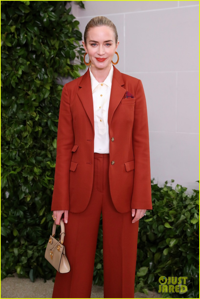 emily blunt others tory burch nyfw show 024348319