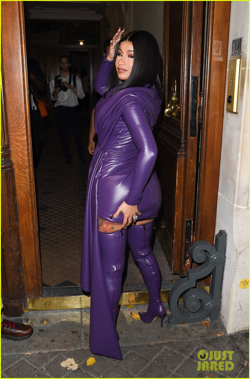 Cardi B Flaunts 6 Pack Abs In Instagram Video Watch Clip: Cardi B Flaunts Her Assets In Form-Fitting Latex Dress