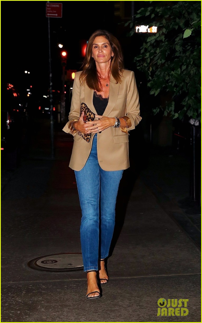 cindy crawford daughter kaia gerber enjoy stylish night out 014345196