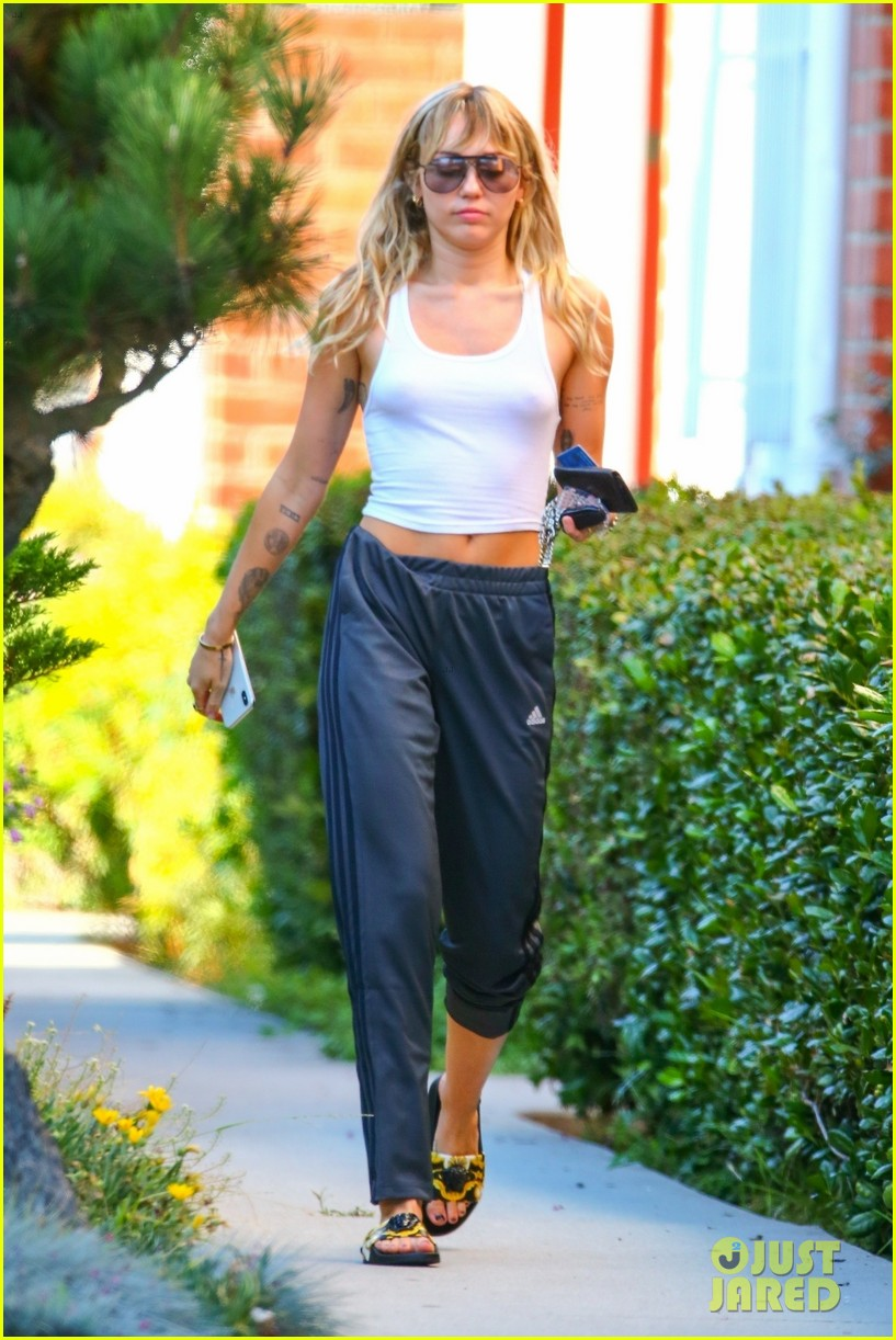 miley cyrus heads to yoga class after dropping slide away video 054347040