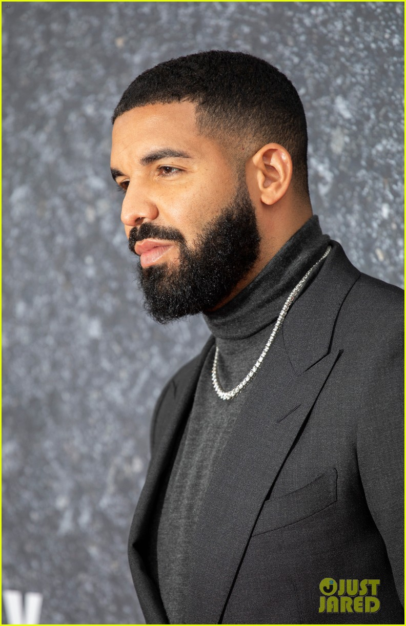 drake supports top boy cast at london premiere 054345033