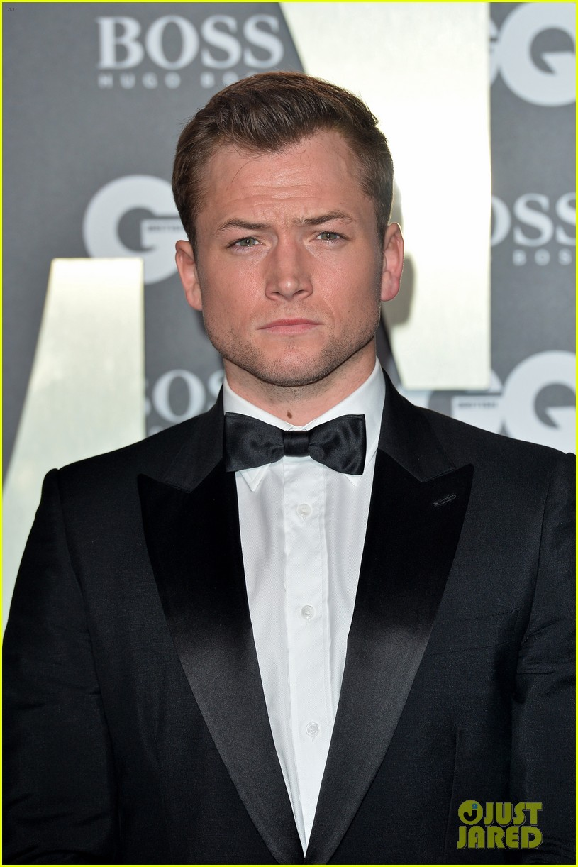 taron egerton richard madden gq men of the year awards 054344625