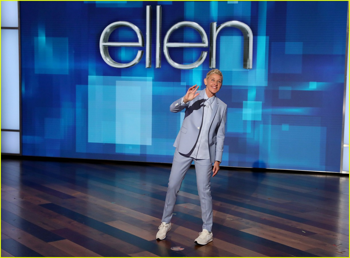 ellen degeneres draws photos of baby archie 014348913