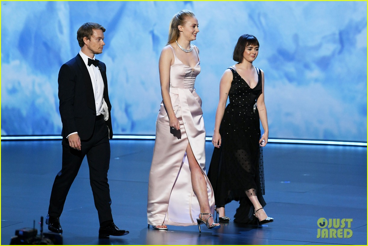 game of thrones cast together at emmys 2019 024358139