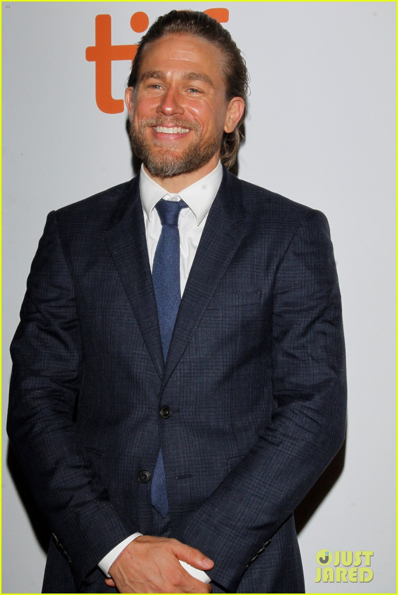 charlie hunnam suits up true history of the kelly gang tiff 044351430