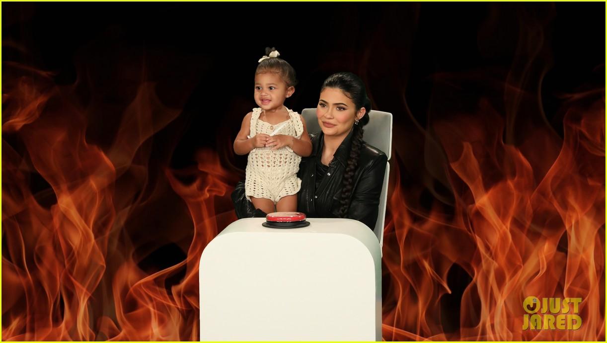 kylie jenner brings daughter stormi to her ellen interview 024351467