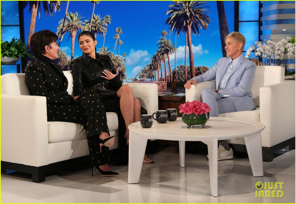 kylie jenner says her sisters tease her about being a billionaire on ellen 014348954