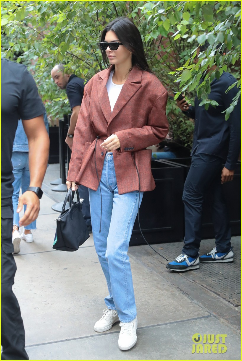 kendall jenner was so nervous to meet brad pitt kanye wests sunday service 044346199