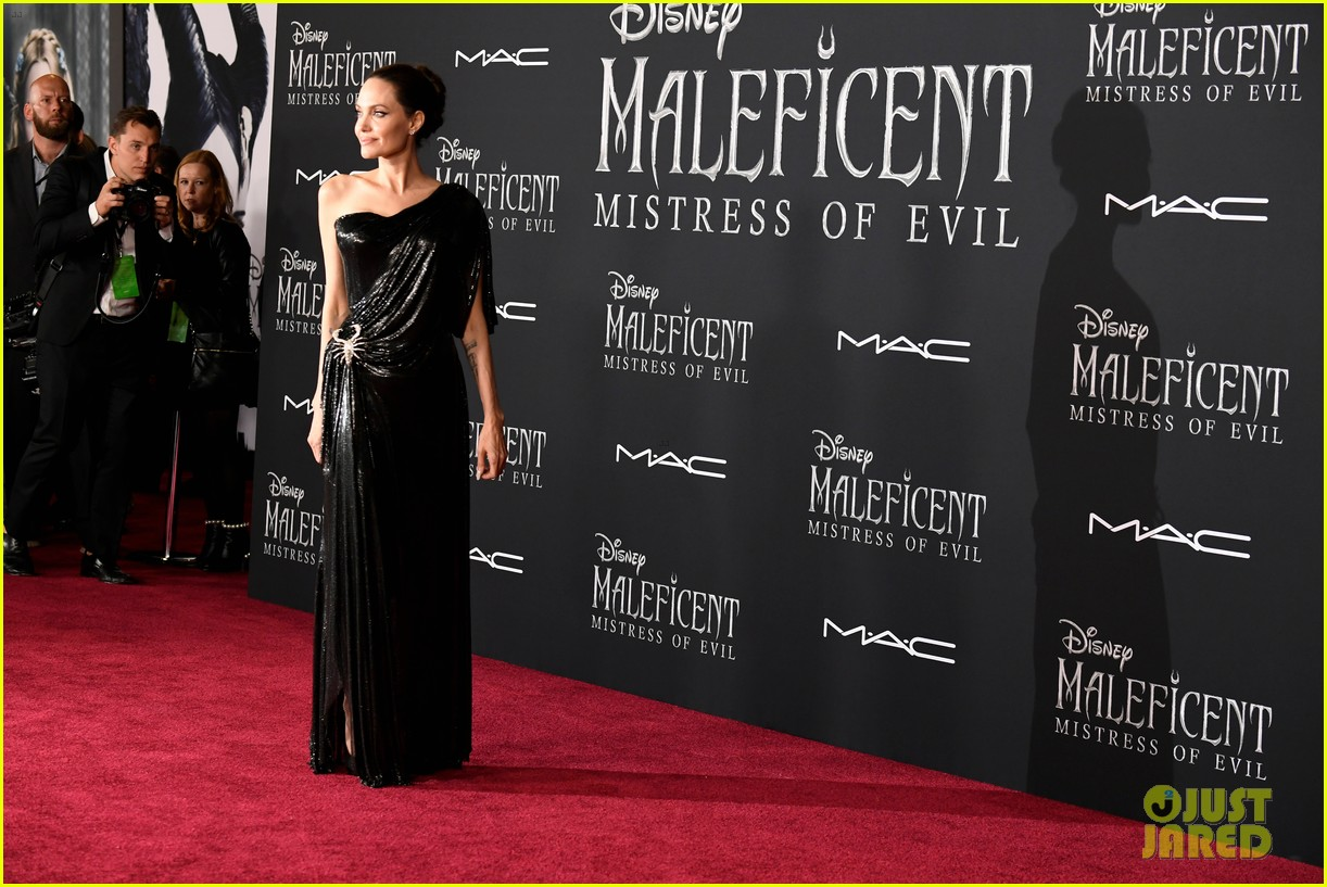 angelina jolie brings her kids to maleficent world premiere 104363223