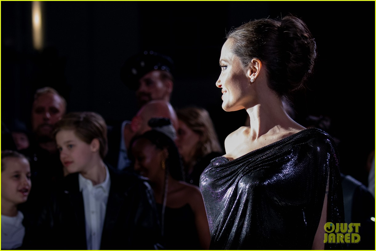 angelina jolie brings her kids to maleficent world premiere 404363253