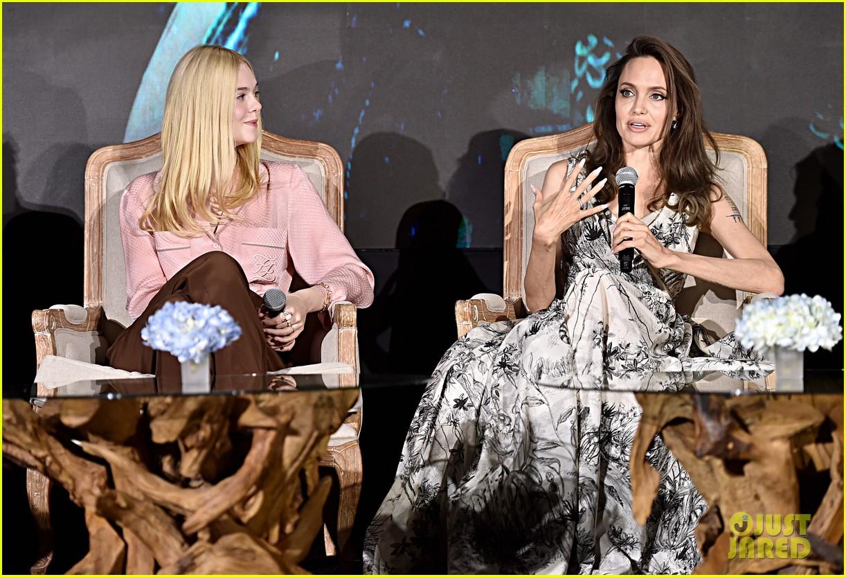 Angelina Jolie Michelle Pfeiffer Join Maleficent Cast