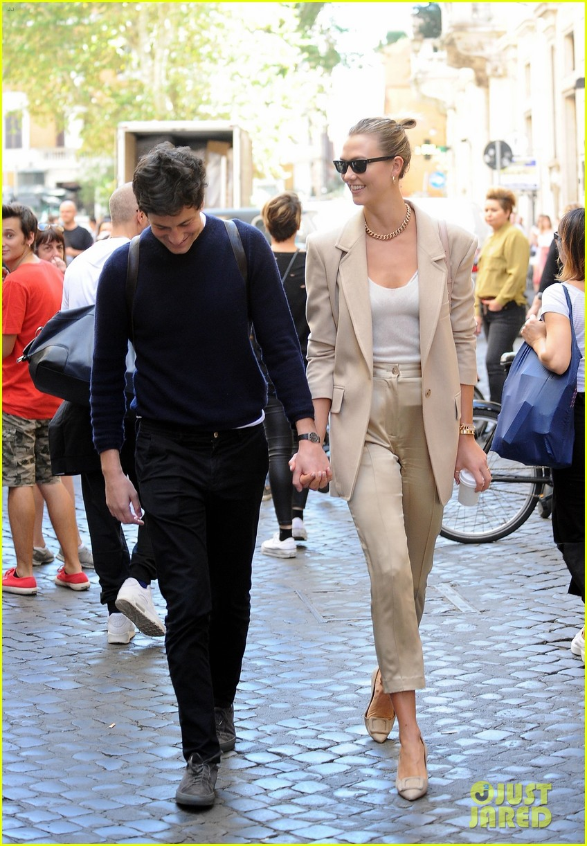 karlie kloss ivanka trump vacation with their husbands in rome 174356910