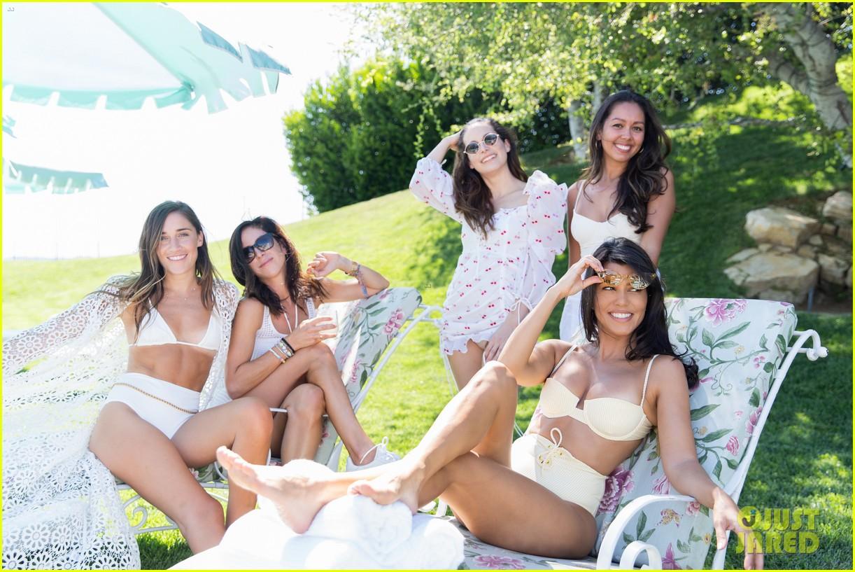 kourtney kardashian joined rosie huntington whiteley more poosh pool party 024354572