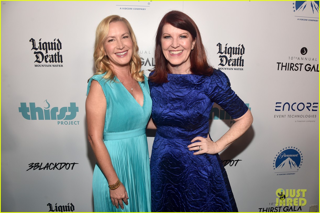 the office jenna fischer angela kiney kate flannery thirst gala 074362218