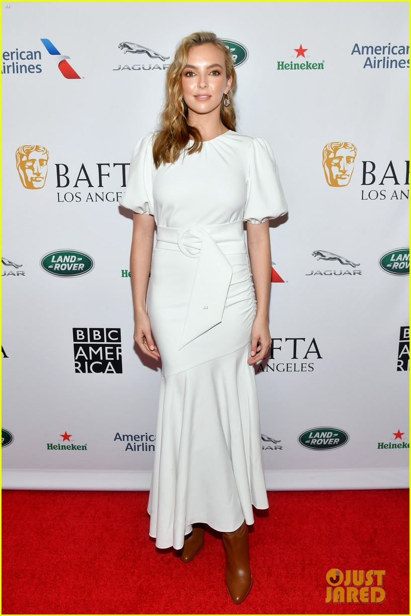 sandra oh jodie comer arrive in style for bafta tea party 054356973