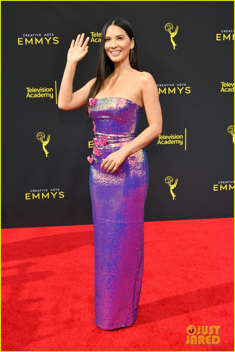 olivia munn dons iridescent dress to creative arts emmys 2019 054353255