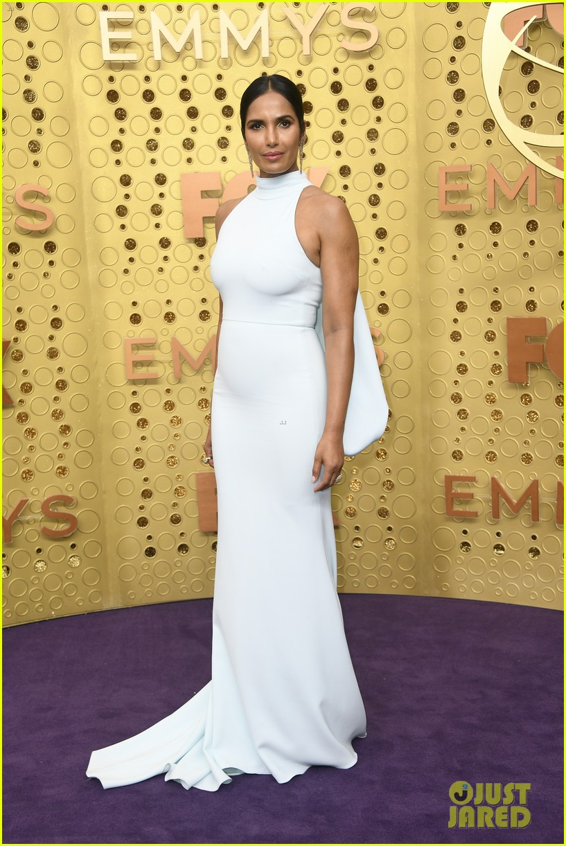 padma lakshmi gail simmons emmy awards 2019 074357566