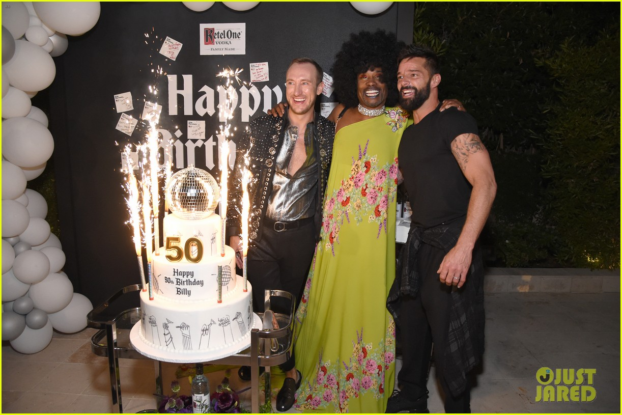 billy porter celebrates 50th birthday early with grand entrance on late late show 044355287