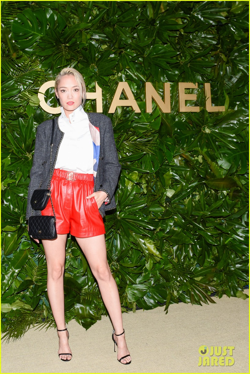 margot robbie gets star support at gabrielle chanel essence launch 024352303