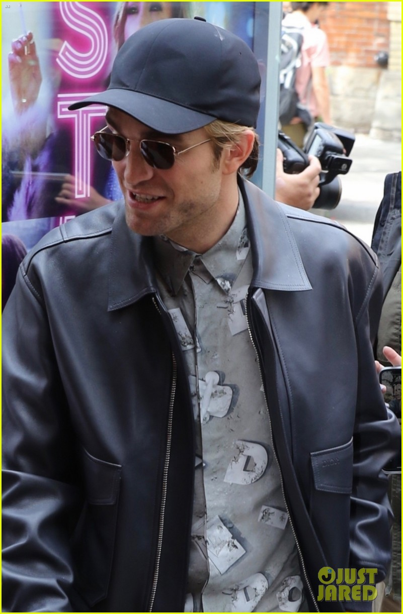 robert pattinson attends the lighthouse premiere at tiff 044347824