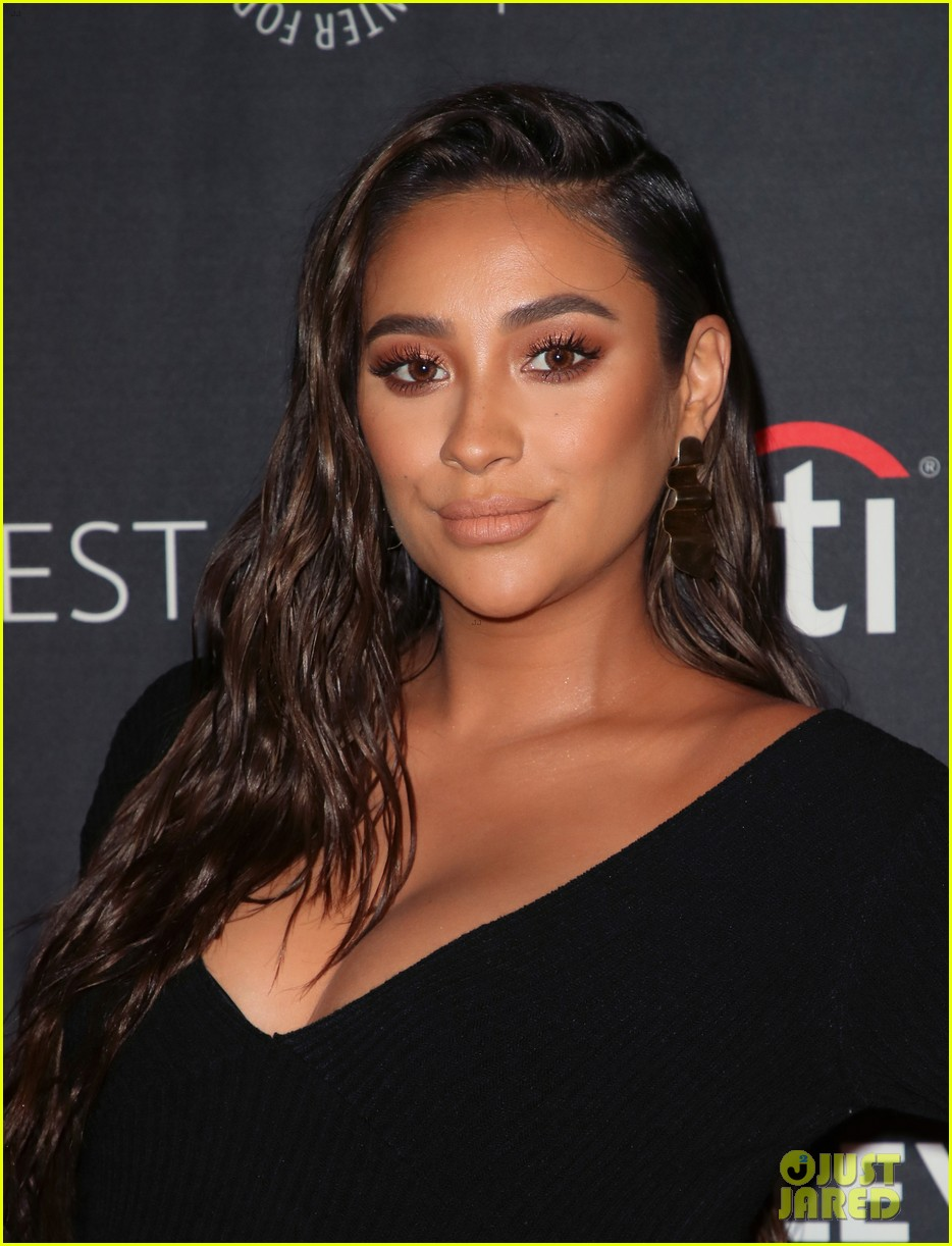shay mitchell dollface cast at paley 114350806