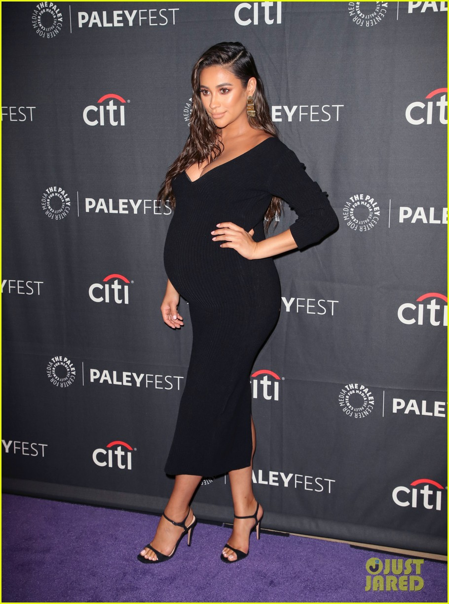 shay mitchell dollface cast at paley 174350812