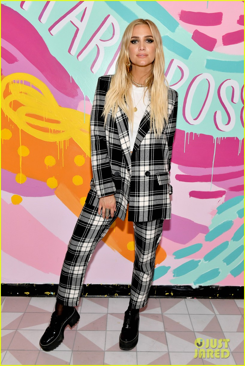 ashlee simpson evan ross help close out nyfw at boohoo party 264351643