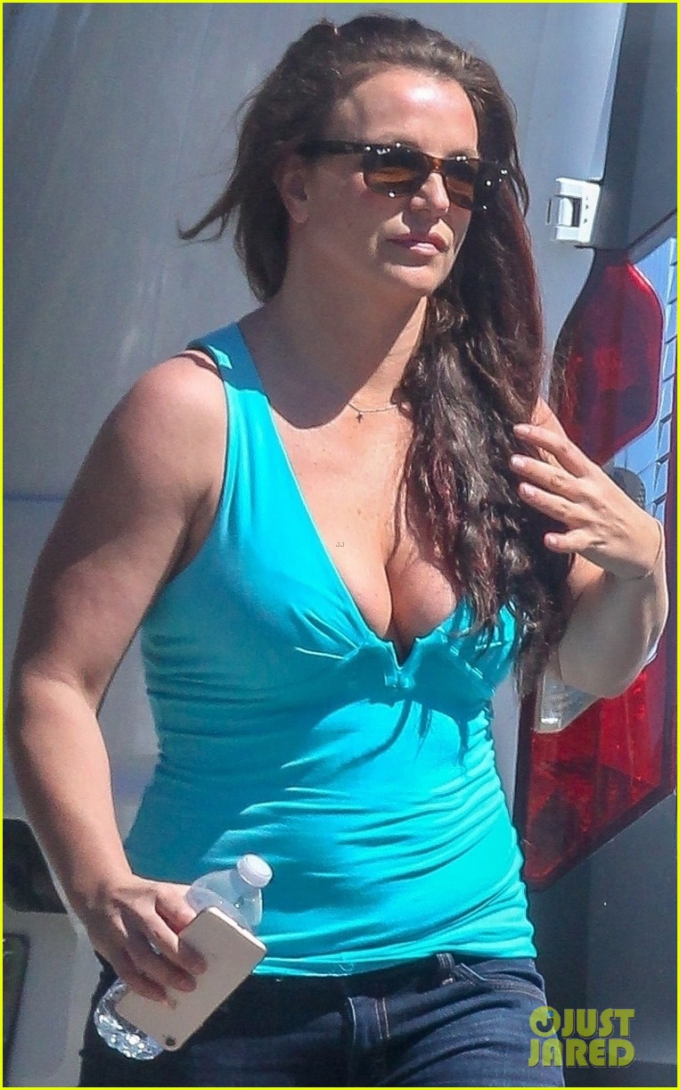 britney spears enjoys a day of pampering in la 044353161