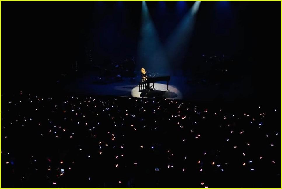 taylor swift paris concert 024349461