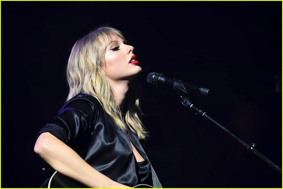 taylor swift paris concert 034349462
