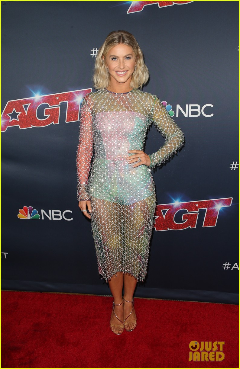 gabrielle union julianne hough step out for americas got talent 2019 semi finals 024351146