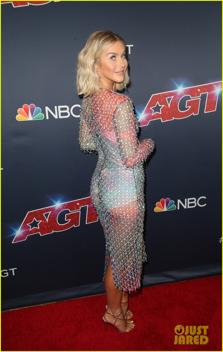 gabrielle union julianne hough step out for americas got talent 2019 semi finals 234351167