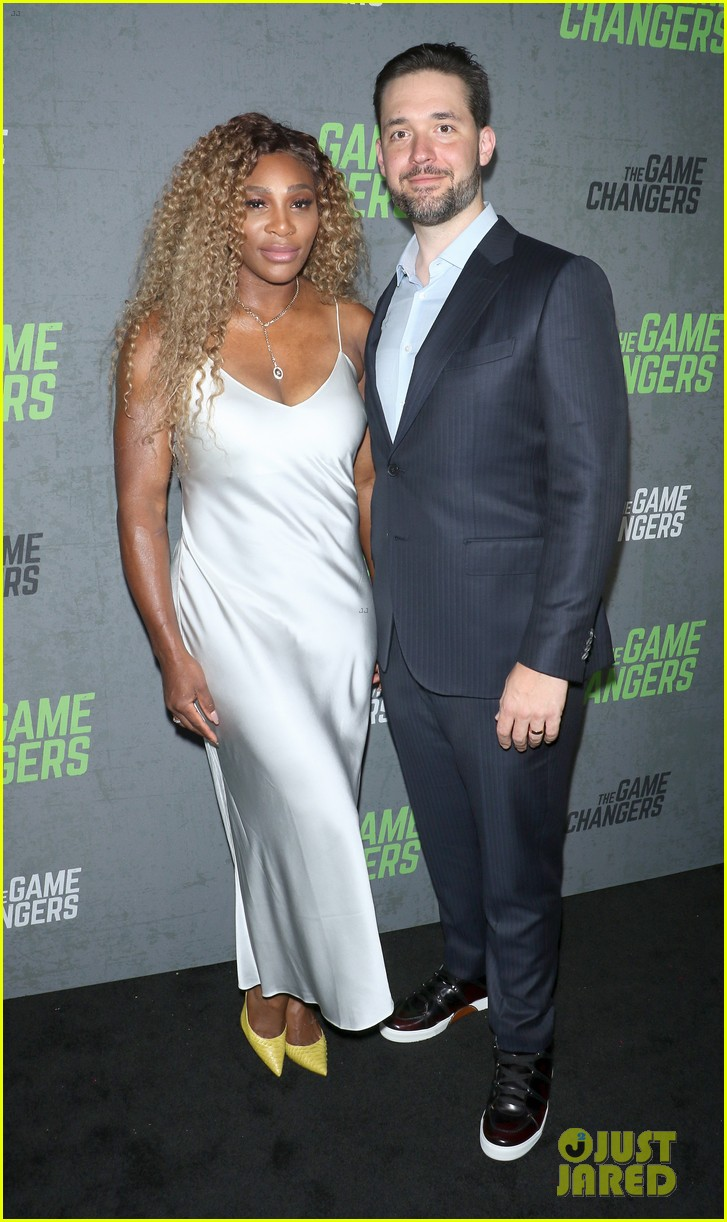 serena williams supports husband alex ohanian at game changers premiere 064349724