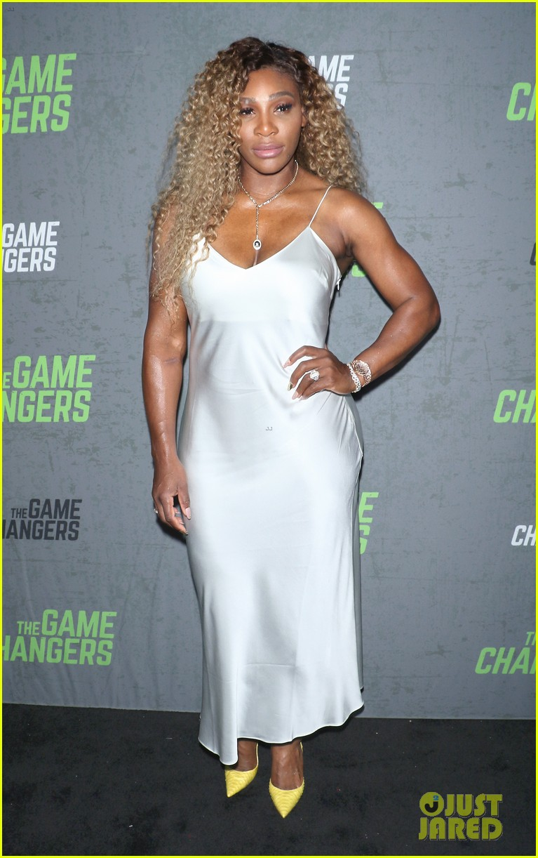 serena williams supports husband alex ohanian at game changers premiere 074349725