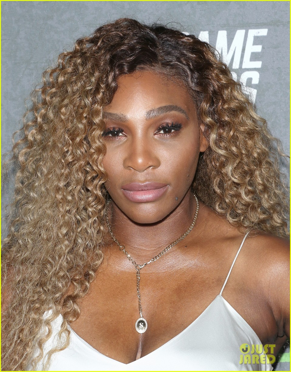 serena williams supports husband alex ohanian at game changers premiere 084349726