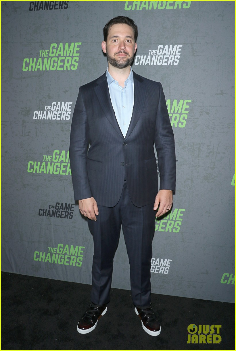 serena williams supports husband alex ohanian at game changers premiere 164349734