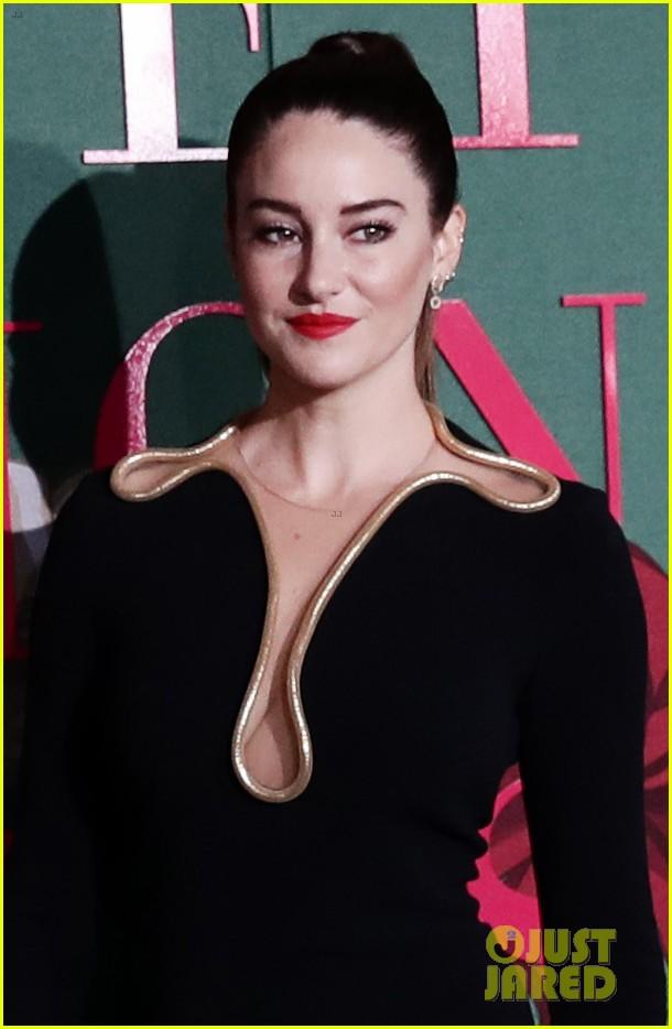 shailene woodley letitia wright go glam in black green carpet fashion awards 014358488