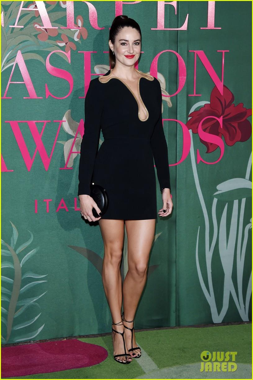 shailene woodley letitia wright go glam in black green carpet fashion awards 044358491